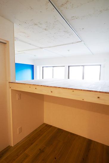 改装で天井高を確保し、新たにロフトをつくりました