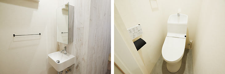 (写真左)洗面所はサニタリーから出し、廊下に造作 (写真右)ホワイトでまとめた清潔感のあるトイレ
