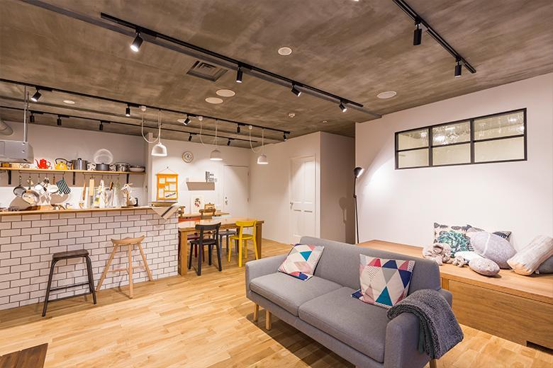 住所:東京都新宿区西新宿3-2-7 KDX新宿ビル3F※「やまや」の看板ビル3階です。