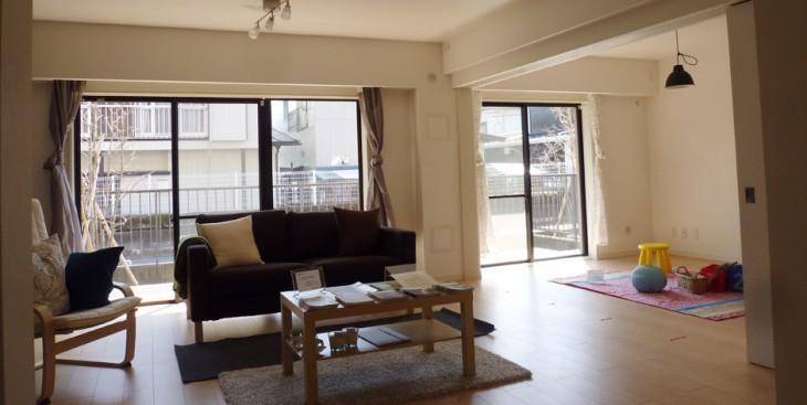 築25年のマンションをひろびろリビングにリノベーション。家族の集う安らぎの空間に。
