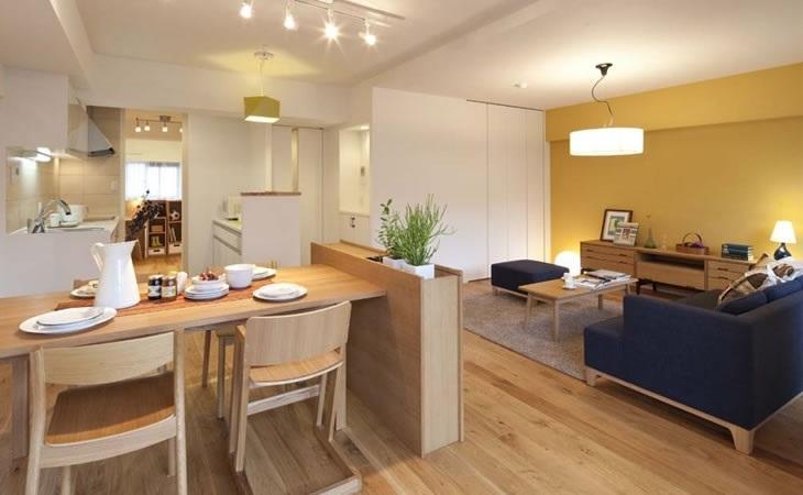 オープンキッチンにリノベーションして、明るい雰囲気になりました。ご友人を呼んで、カフェのような落ち着きのある空間に。
