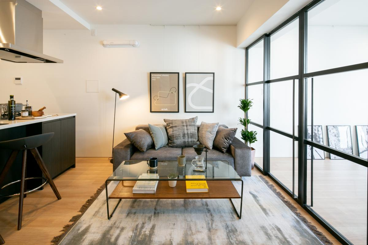 「RE : Apartment UNITED ARROWS LTD. 三軒茶屋」のリビングダイニング