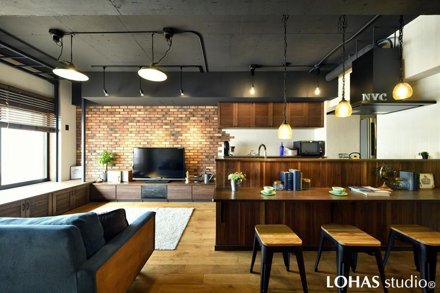 「【10月3回目】大人カッコいいブルックリンハウス -倉庫から住居スペースへ-」のリビングダイニング
