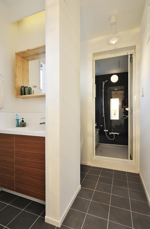 「Frame+Nature自然をたのしむ家」のお風呂・洗面所・トイレ