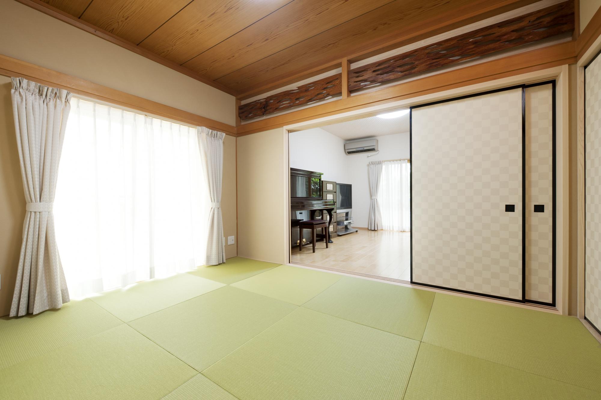 二間続きだった和室の南側をお母さまの個室に変更。広縁も居室に取り込み、明るく居心地のいい部屋にした