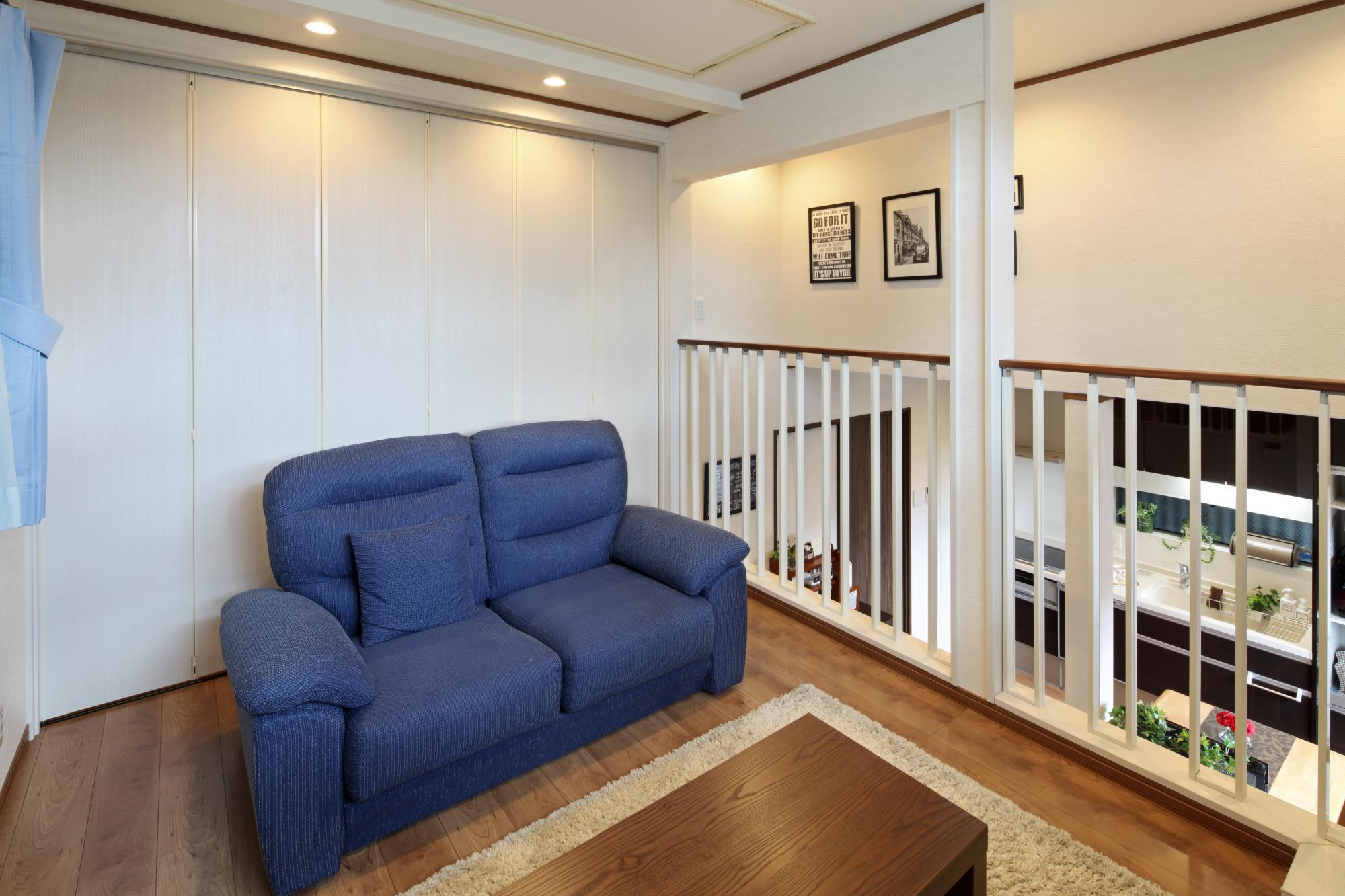 リビングの背後には書斎スペースにもなる予備室を確保。 引戸で間仕切ることもできるので、日常のストレスを解消する大切な場所になっています