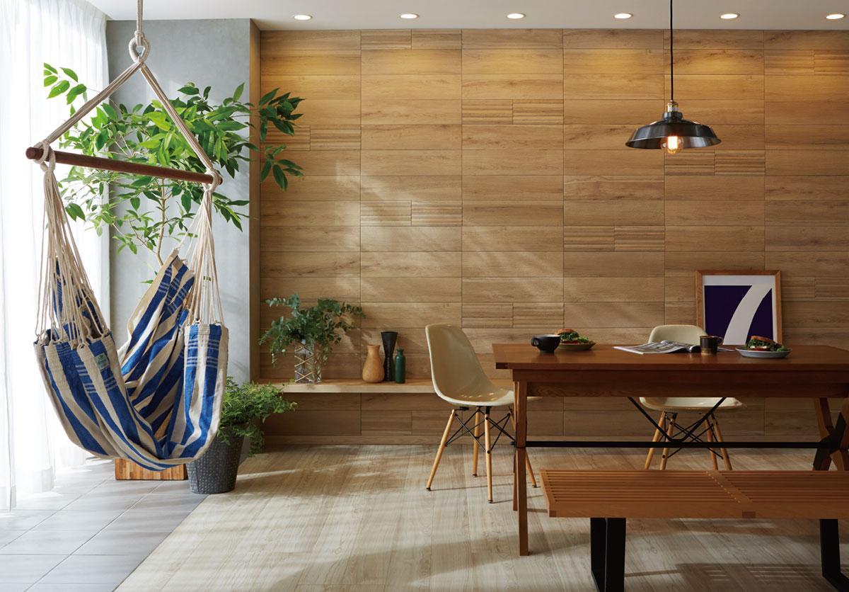 「壁の方を向いて、いい眺めだと言った人がいる」  「豊富なバリエーションから、お部屋に合わせてコーディネートできる」LIXILのエコカラットプラス    ナチュラルな空間にハンモックが意外と合いました。  ダウンライトがエコカラットに陰影を造ってくれて高級感が高まっています。  完成した「大人な空間」+「遊び心」デザイン。    ホテルやモデルハウスでデザインの一部として使用されていると思われている方が多いようですが…  じつはデザイン性だけではなく、「消臭」「除湿」に高い効果があります。  デザインも豊富ですので、空間に合わせてお選びいただく事が可能です。